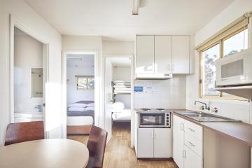 2 Bedroom Cabin - Pet Friendly - Living Room
