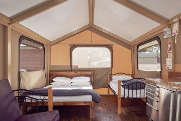 Sunshine Tent with Ensuite - Living Room